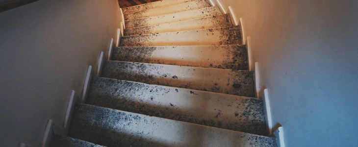stairs-789628_1280